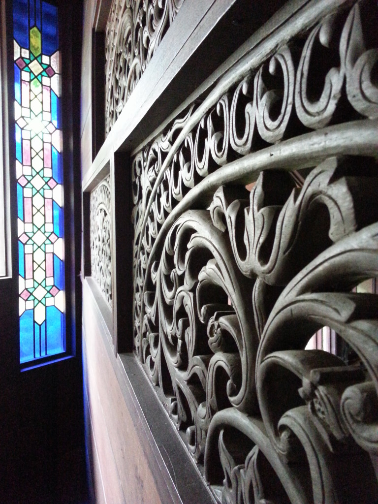 kerawang & stain windows